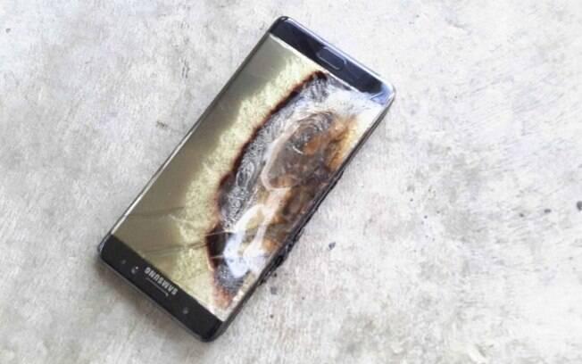Galaxy Note 7 precisou ser retirado de circulação após supostamente ter explodido um carro