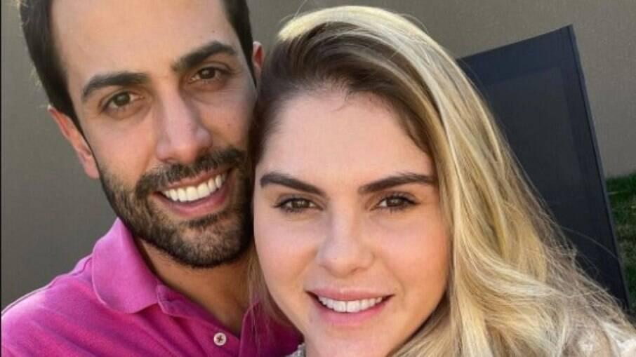 Um dos gêmeos esperados por Bárbara Evans e seu marido Gustavo Theodoro está com má formação