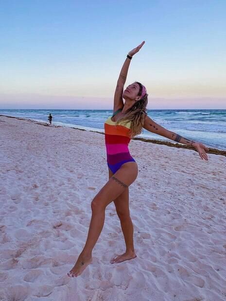 Gabriela Pugliesi dá show de sensualidade em sua viagem a Quintana Roo