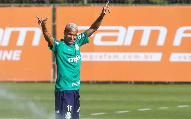 Apesar de ter o nome ventilado em outros clubes, atacante deve permanecer no Palmeiras
