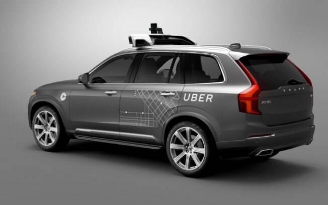 Uber suspendeu testes com carros autônomos na região logo após o acidente que matou a passageira no Arizona