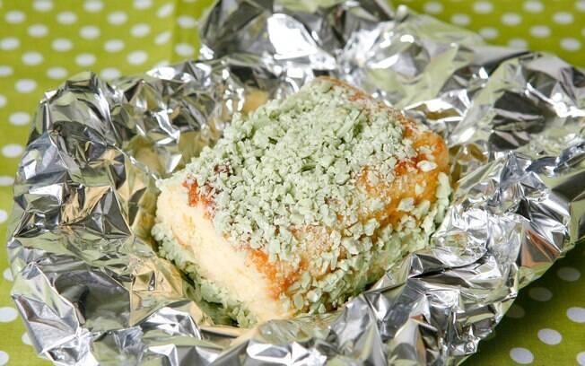 Foto da receita Bolo gelado de limão com baunilha pronta.