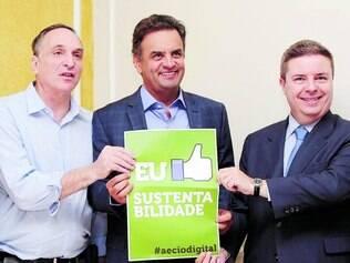 Equipe. Aécio Neves entre Feldmann e Anastasia, que vai coordenar a elaboração do plano de governo tucano na disputa da Presidência