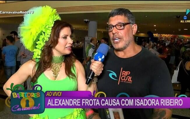 Isadora Ribeiro voltou ao carnaval paulista como repórter do programa