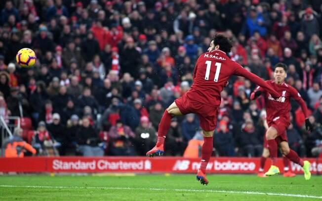 Salah marcou na vitória do Liverpool e é o artilheiro do campeonato inglês