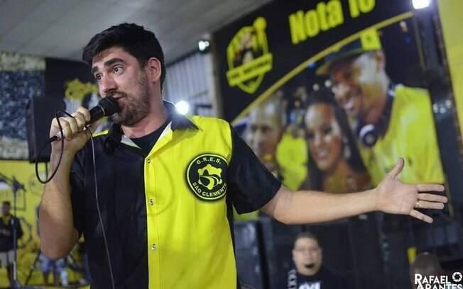 Marcelo Adnet escreveu samba-enredo que está na disputa pela São Clemente, no Rio