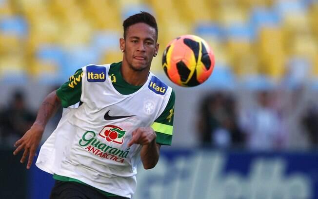 Neymar em treino da seleção brasileira no  Maracanã, neste sábado