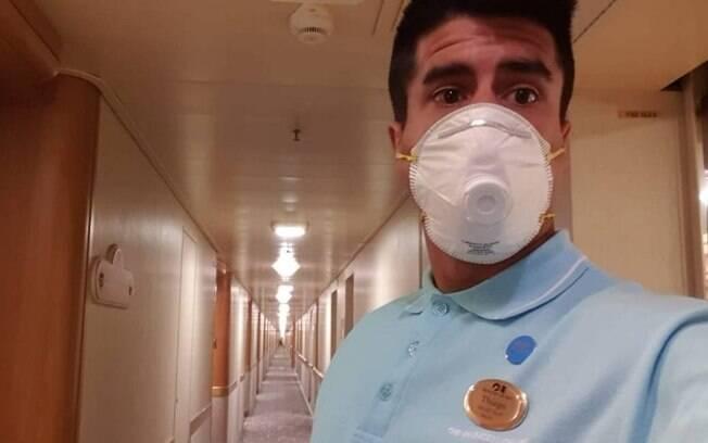 Brasileiro em cruzeiro com diagnosticados com coronavírus