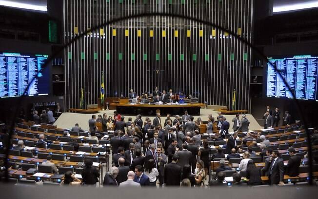 Deputados Alberto Fraga (DEM-DF) e Sóstenes Cavalcante (DEM-RJ) pediram abertura de CPI
