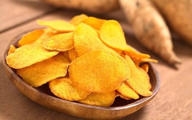 Prefira carboidratos de baixo índice glicêmico, como a batata-doce, e os complexos