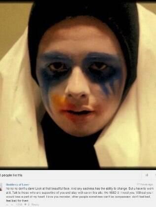 Mensagem postada por Willian Macedo na rede social de fãs de Lady Gaga, Little Monster
