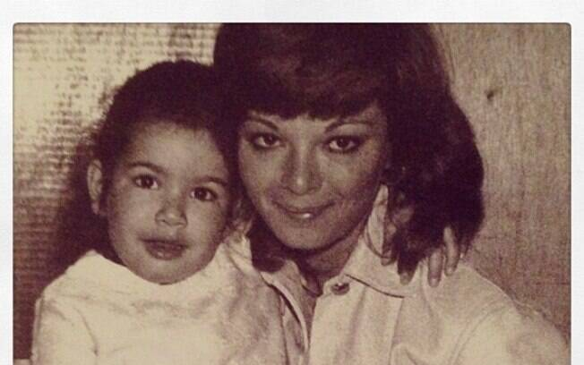 Luciana Gimenez para Vera Gimenez: 'Mãe, te amo'
