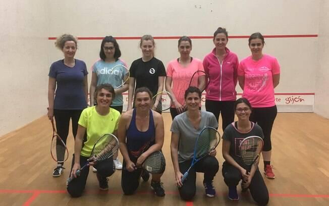 time de jogadoras que venceram o campeonato regional de Astúrias