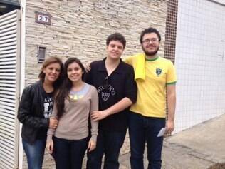 Ao lado da mãe e da namorada, Lucas e o amigo Pedro tiveram um trajeto de táxi para o Mineirão sem maiores incidentes