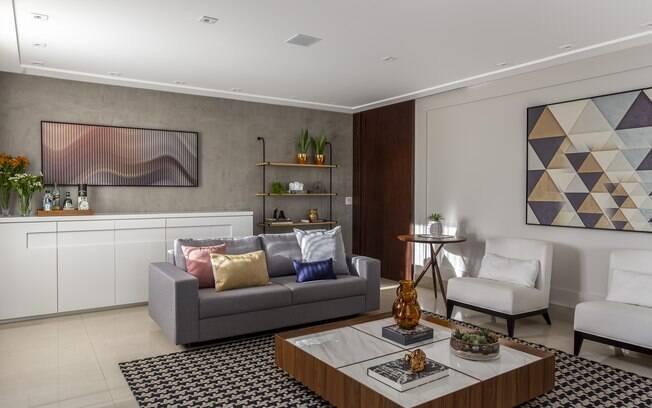 A mesa de centro para sala é um item que não pode faltar na decoração da casa; saiba como escolher o modelo ideal