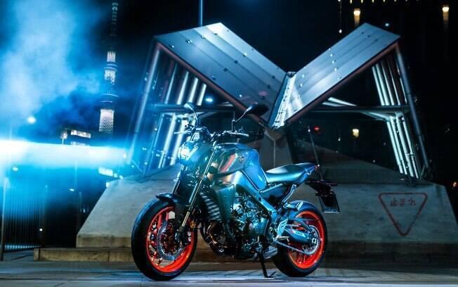 Yamaha MT-09 2021: novo farol com lâmpada de LED e uma série de outras mudanças que a deixaram ainda mais ágil e arrojada