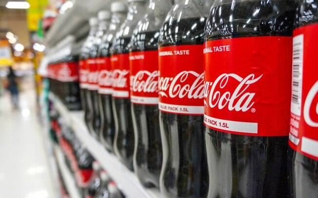 Coca-Cola anunciou foco em principais marcas e que deixará de produzir produtos de mais de 200 de suas marcas