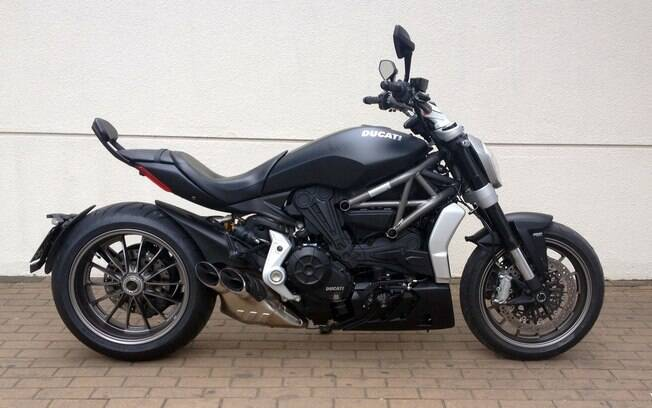 Difícil é pilotar a Ducati XDiavel sem abusar do acelerador