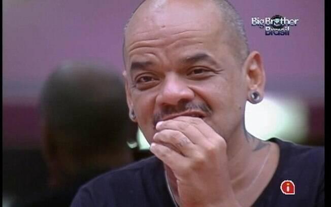 João Carvalho comenta que costumava cozinhar para dezesseis brothers no começo do programa