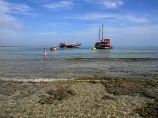 Porto Seguro possui cerca de 85 km de belíssimas praias
