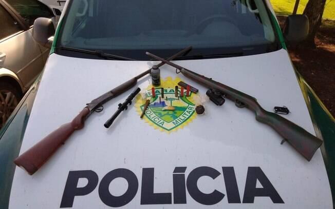 Polícia Ambiental do Paraná também apreendeu armas e munições ilegais, além de armadilhas para captura de animais que estavam livres na natureza