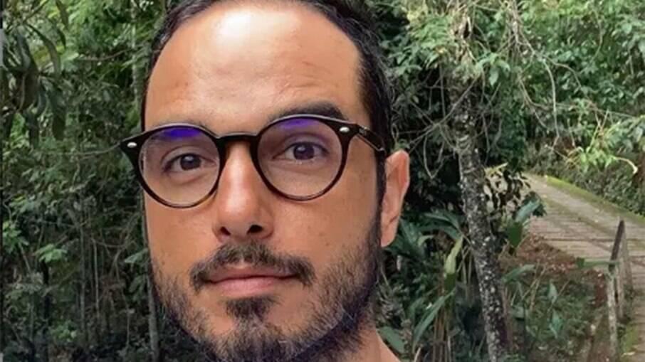 Léo Rosa cobra pagamento atrasado
