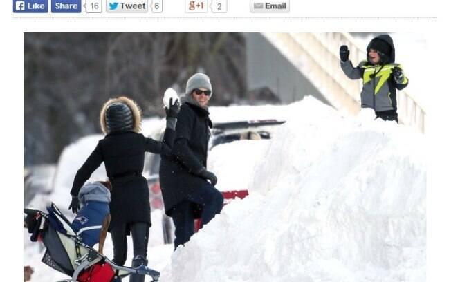 Gisele Bündchen, Tom Brady e Benjamin se divertem na neve de Boston