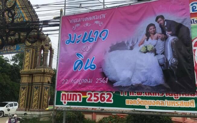 Na Tailândia, mulher traída decidiu fazer live após ser abandonada no altar pelo noivo e acabou viralizando nas redes