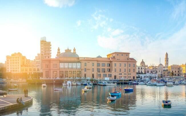Bari, na Itália, é uma cidade revigorada com um belo centro histórico e restaurantes familiares