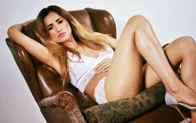 A modelo Wanessa Moura começou a chamar atenção por ser parecida com Penélope Cruz e ganhou o título de sósia