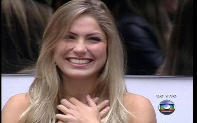 Renata é elogiada por Pedro Bial