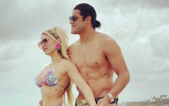 Hulk ao lado de Camila