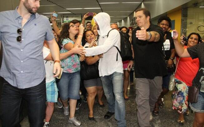 Ricky Martin desembarca no Brasil para gravar o videoclipe da Copa