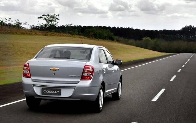 Chevrolet Cobalt prata
