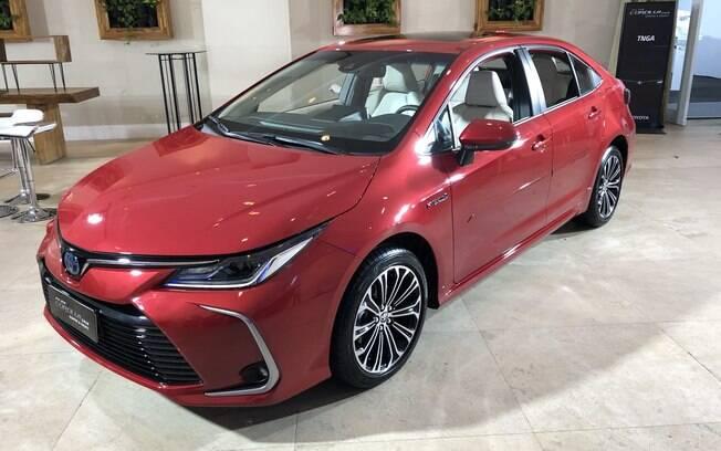 A marca espera vender 4,5 mil unidades do Toyota Corolla por mês, sendo que 1 mil serão híbridas