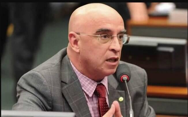 Deputado Mario Heringer (PDT) quer distribuir cloroquina gratuitamente, mas não para tratamento de Covid-19