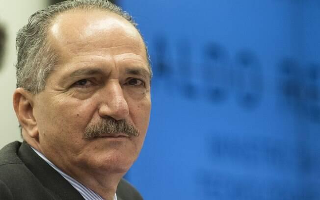 Aldo afirmou que sua primeira preocupação é elevar o nível de informação científica da população