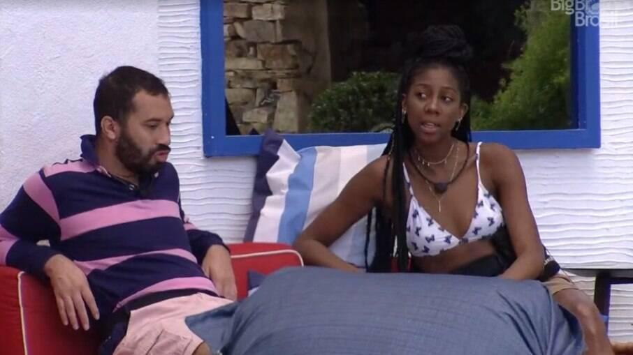 Camilla reclamou com Gilberto e outros brothers sobre a piada