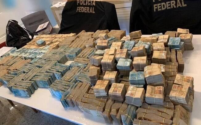 Dinheiro encontrado na casa de um dos investigados