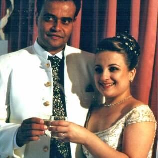 Soraya e o marido no dia do casamento: choro da avó