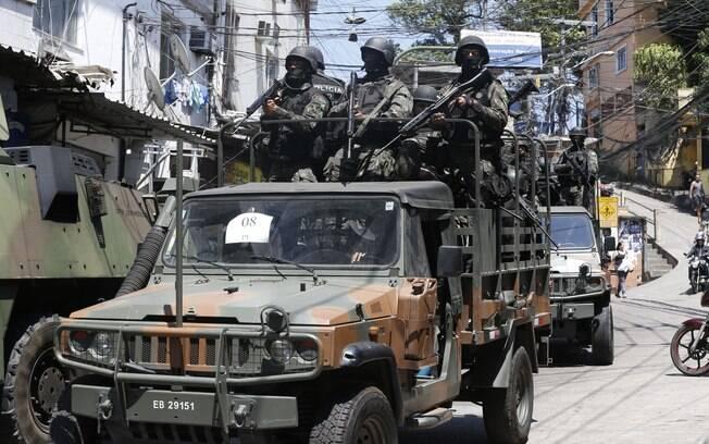 Forças Armadas fazem cerco na favela da Rocinha, em São Conrado, na zona sul do Rio