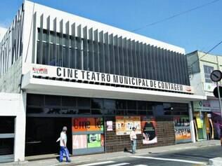 Cine Teatro.  Patrimonio cultural de Contagem está fechado e sem manutenção há cerca de dois anos