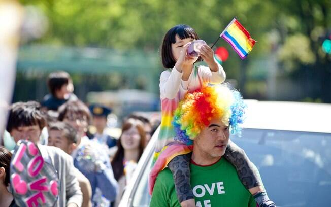 ABRIL:  O clima da Parada Gay de Tóquio é totalmente familiar