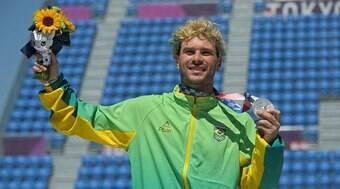 Pedro Barros brilha no skate park e garante medalha de prata