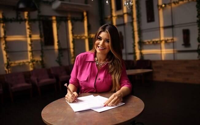 Amanda Françozo é a nova contratada da TV Aparecida