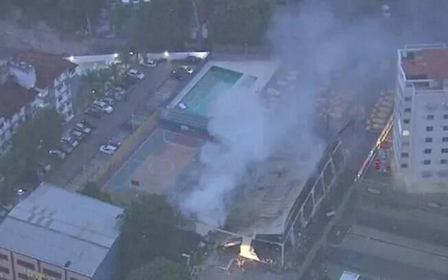 Incêndio atinge centro de distribuição dos Correios no Rio de Janeiro; ninguém ficou ferido