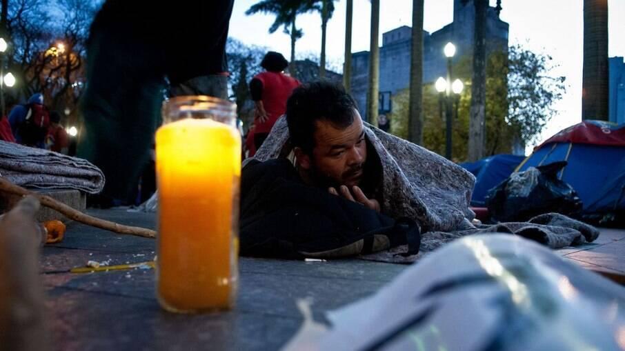 Há registros de pessoas em situação de rua que faleceram por conta do frio em partes do Brasil