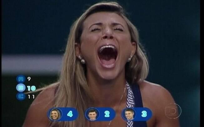 Fabiana acerta a última pergunta e garante vaga na decisão do BBB12