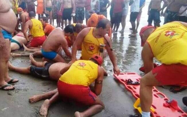 Banhistas morrem após raio em Praia Grande, no litoral de São Paulo. Foto: Divulgação - Polícia Militar