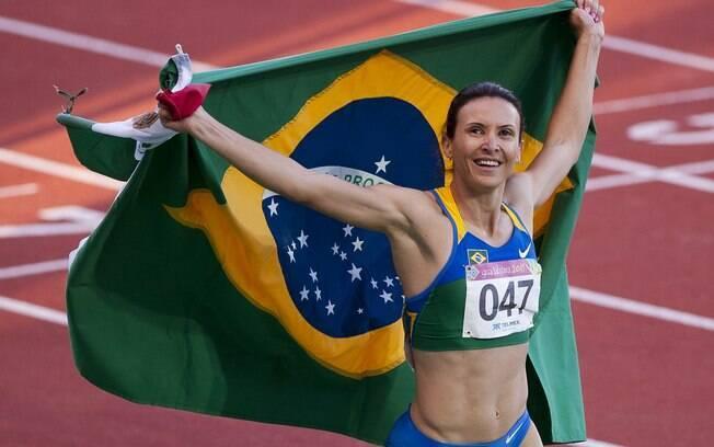 Maurren Maggi foi a primeira mulher  brasileira a conquistar uma medalha de ouro  individual para o País nos Jogos Olímpicos